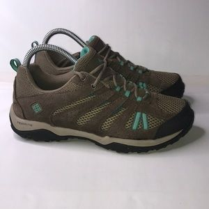 Woman's Columbia Techlite Low Hiking Boots 9